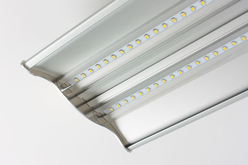 Plafoniere Industriali Led Prezzi : Plafoniere a led lineari per soffitto di diverse dimensioni